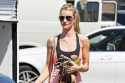 Rosie Huntington-Whiteley Keeps Her Figure with Smoothies, Soups and Gym Trips