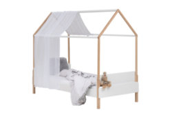 Canopy bed from Wooothy