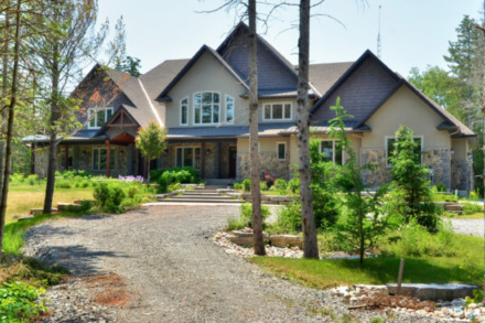 Carrie Underwood's Canada home