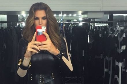 Cindy Crawford on the Bad Blood set