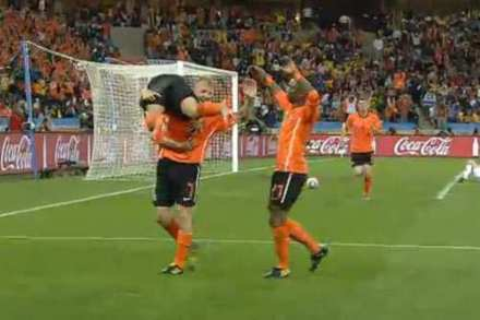 Netherlands Continue Winning Streak