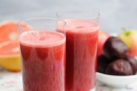 Detox Drinks: Apple, Beetroot and Grapefruit Smoothie Recipe