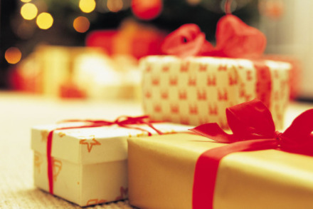 Christmas Money-Saving Trend: Group Gifting
