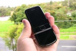 Mobile phones 'could be spreading coronavirus'
