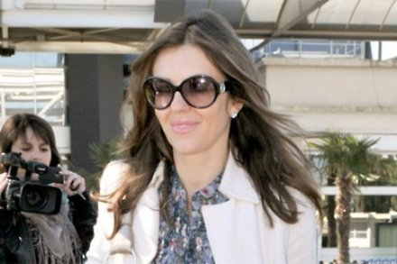 Elizabeth Hurley to dye hair for son
