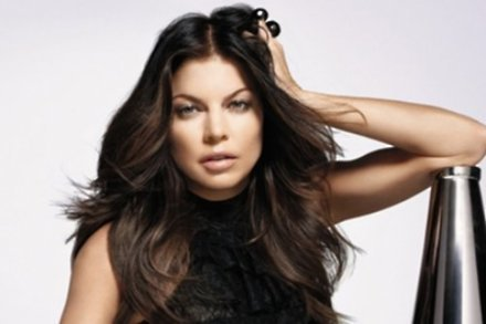 Fergie to judge singing contest