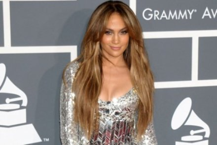 Jennifer Lopez collaborating with Lil Wayne