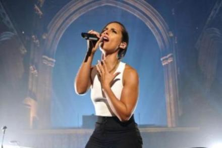 Alicia Keys on stage last night