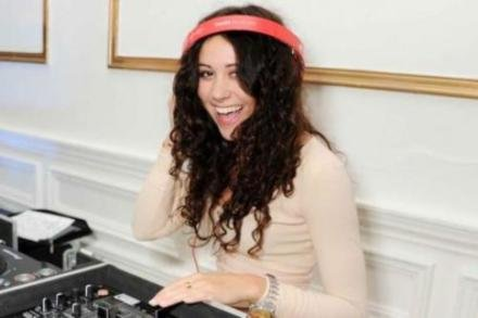 Eliza Doolittle DJs at Claire's and UNICEF launch