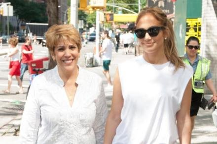 Jennifer Lopez and Guadalupe Rodríguez