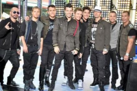 Joey McIntyre with some members of NKOTBSB
