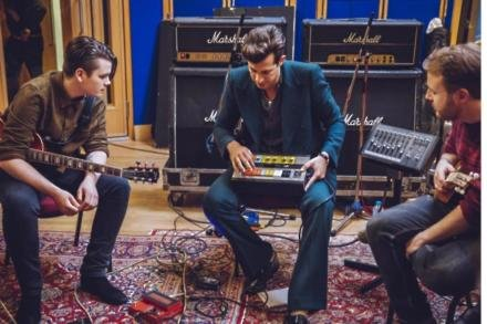Mark Ronson working on his Uptown Funk cover