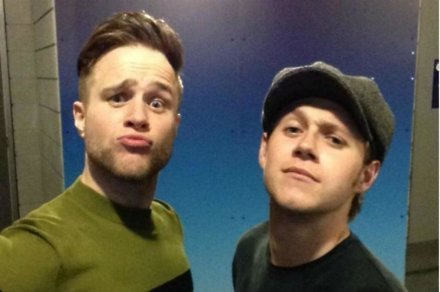 Olly Murs and Niall Horan using the Twitter Mirror at London's O2 Arena