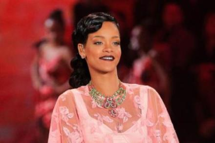 Rihanna looked stunning on the Victoria's Secret runway last year