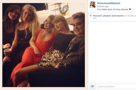 Sarah Hyland (centre) with Taylor Swift, Kelly Osbourne and Ellie Goulding (c) Instagram
