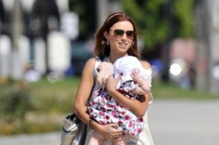 Una Healy with baby Aoife