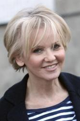 Lisa Maxwell is reaching out to help other people