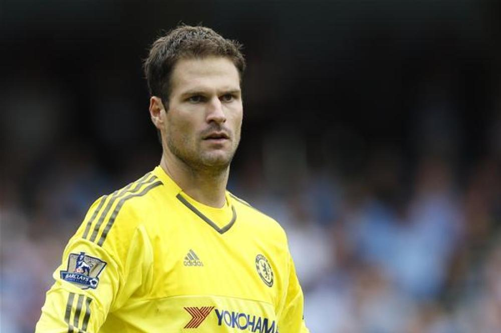 Begovic backs Conte to get it right