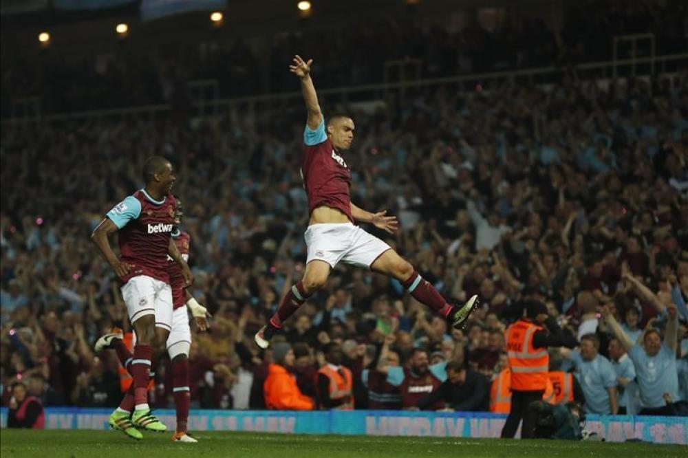 Hammers star sets sights on Russia