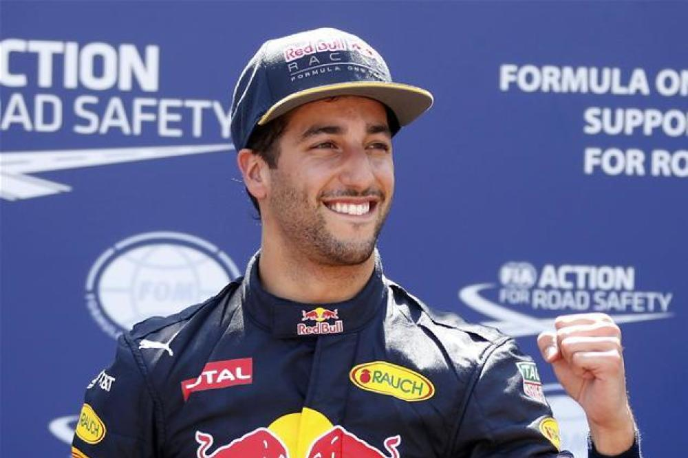 Ricciardo open to Hamilton partnership