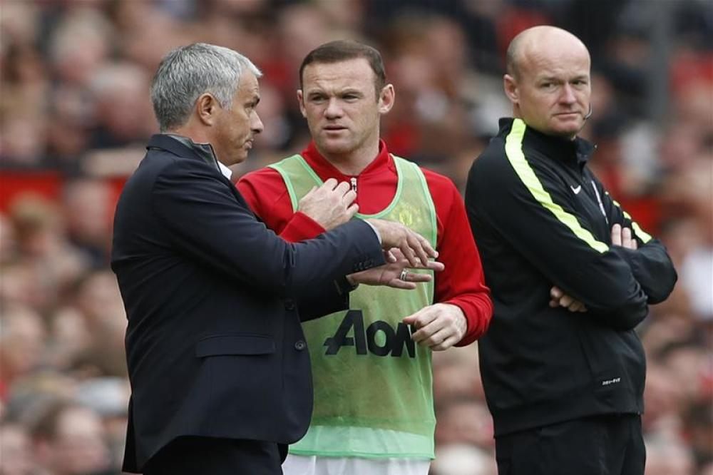 Rooney eager to win back starting spot