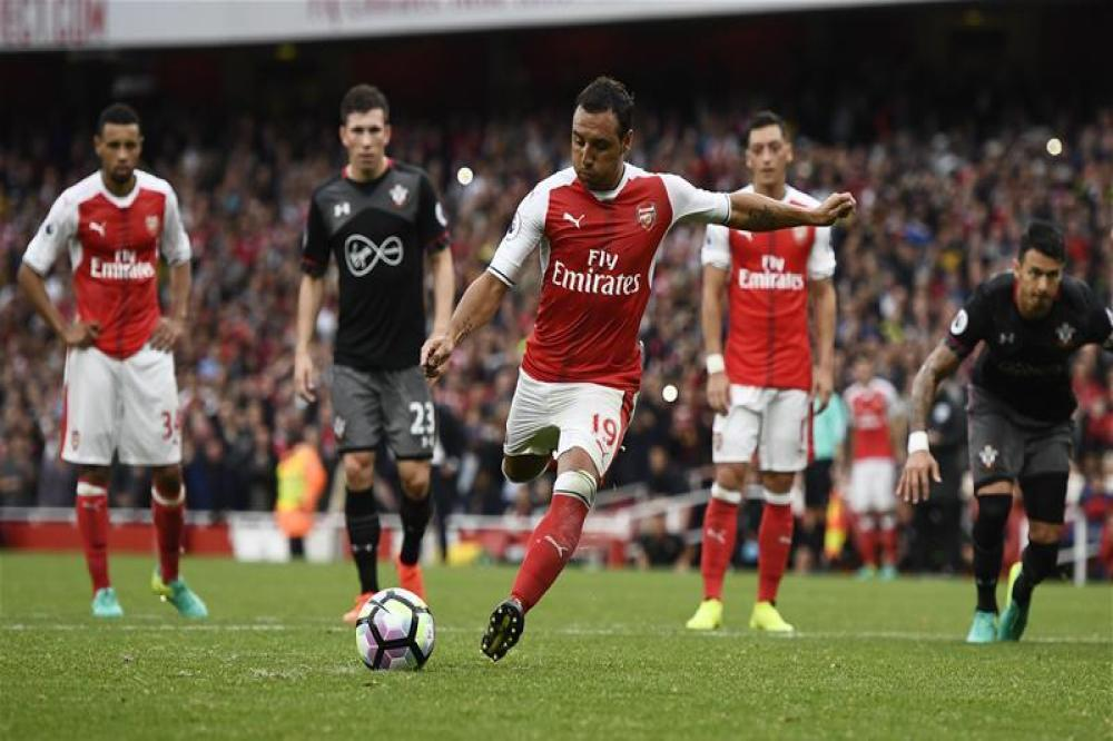 Cazorla eyeing Arsenal stay
