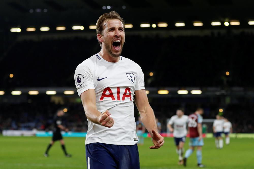 Kane hints at extended Spurs stay