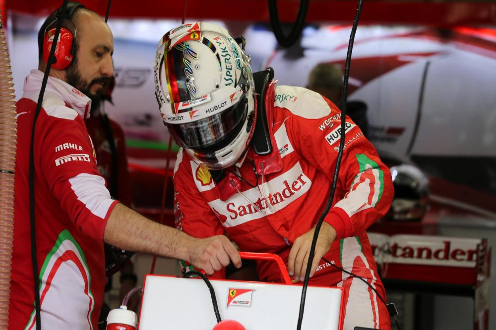 Vettel forced into chassis change