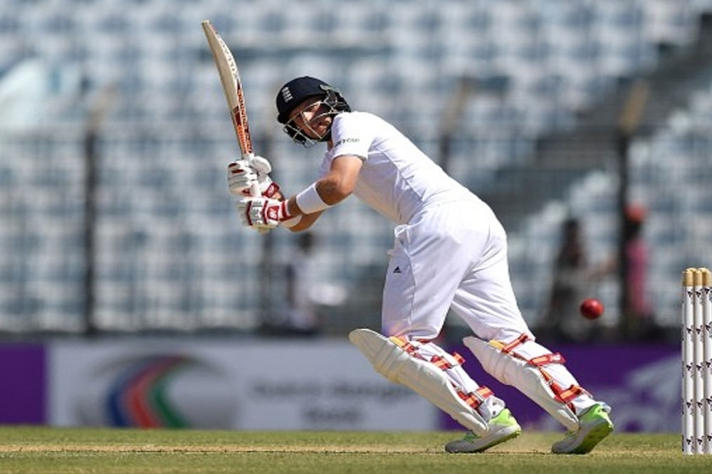 England claim advantage against India