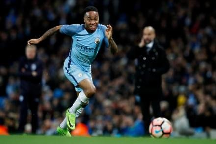 Sterling to wait for contract talks