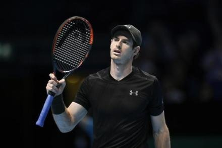 Murray eases through in Dubai