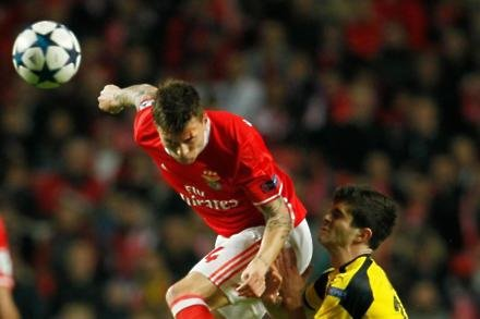 Lindelof roars into Carrington for medical