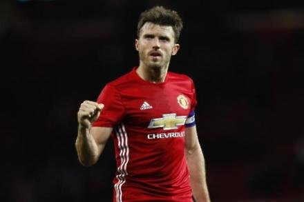 Carrick has plenty to offer - Giggs