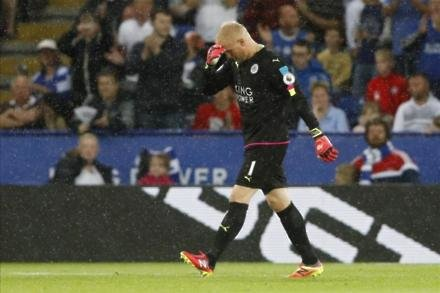 Schmeichel fumes at penalty
