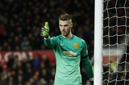De Gea hopeful on top four