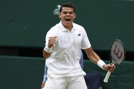 Raonic edges out Federer