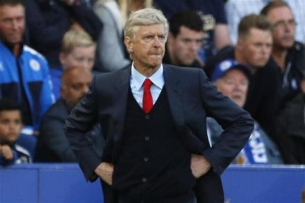 Adams criticism 'sad', says Wenger