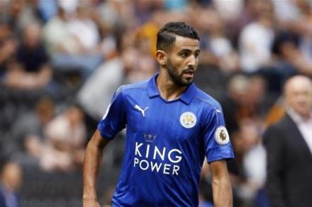 Foxes ace backed for Barca role