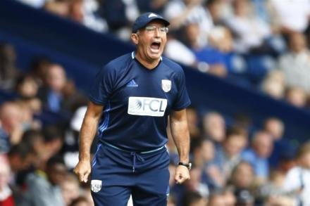 Pulis blasts cheating Sanchez