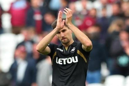 Fernandez still missing for Swans