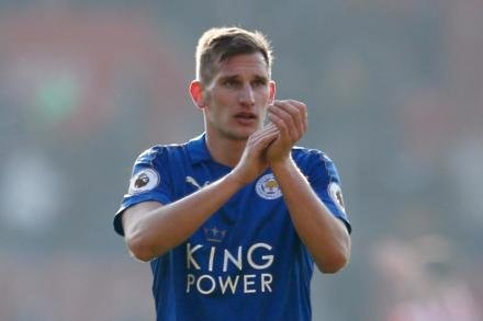 Albrighton cools Mahrez row