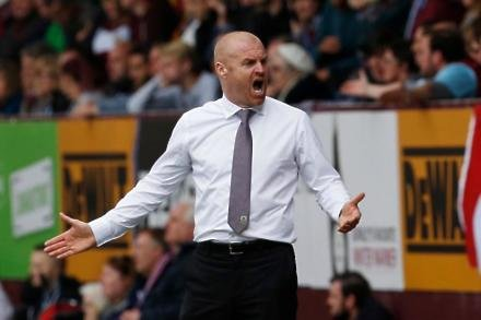 Dyche signs new Clarets deal