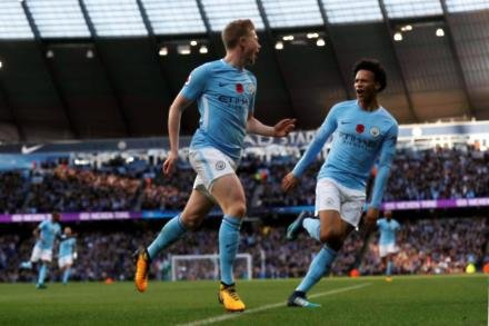 De Bruyne commits to Citizens