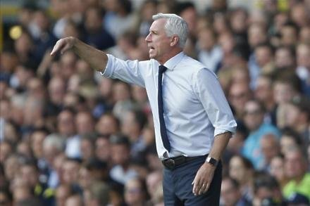 Pardew gets Eagles backing