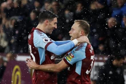 Arfield linked with Clarets exit