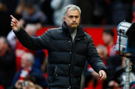 Mourinho reminds Klopp of quit threat