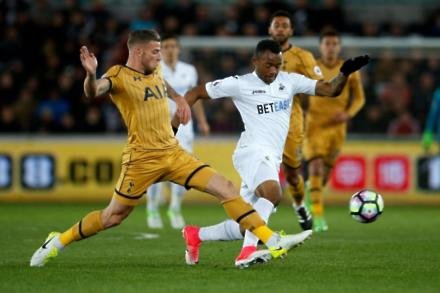 Clement eases Ayew fears