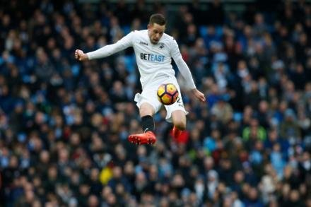 Everton close on Sigurdsson