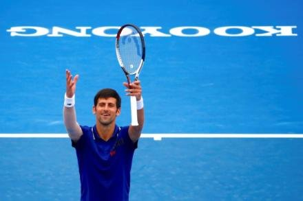 Djokovic makes winning return