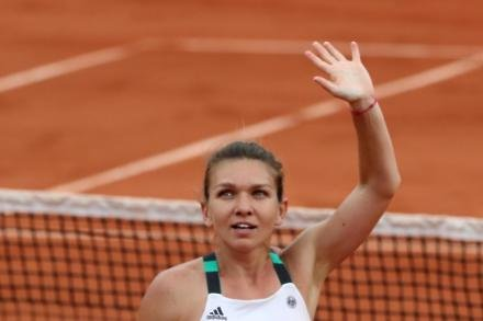 Halep into China final as new number one